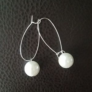 Avon earrings- NWOT